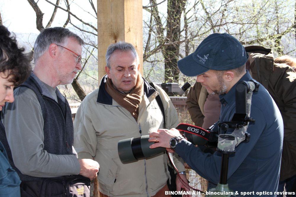 Piergiovanni Salimbeni durante un workshop di digiscoping presso l'Oasi Palude Brabbia di Varese