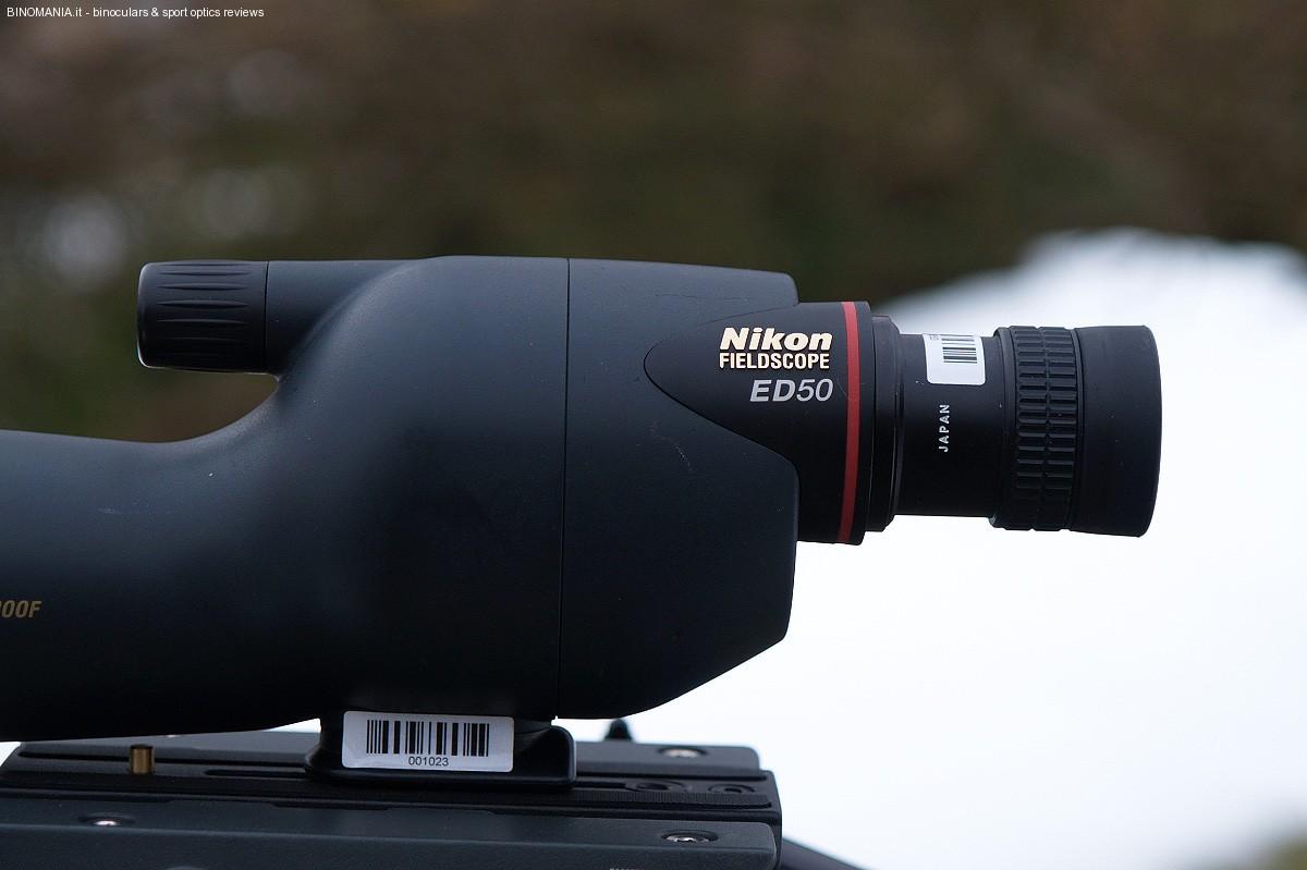 """Il """"ponte di comando"""" del Nikon ED 50."""