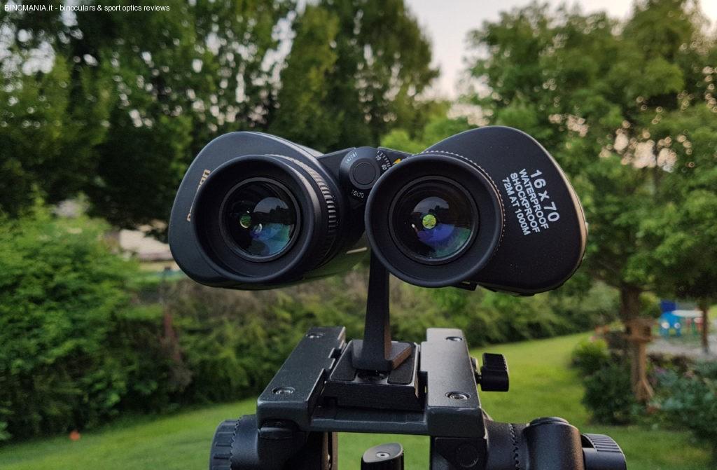 Gli oculari forniscono un campo apparente ben superiore a 60°