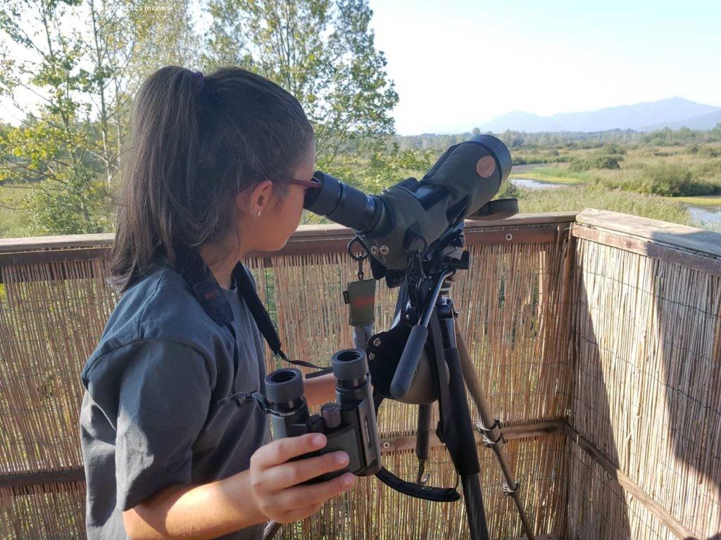 mia figlia Ersilia, alla ricerca di Limicoli sull'altana a due piani dell'Oasi Lipu Palude Brabbia