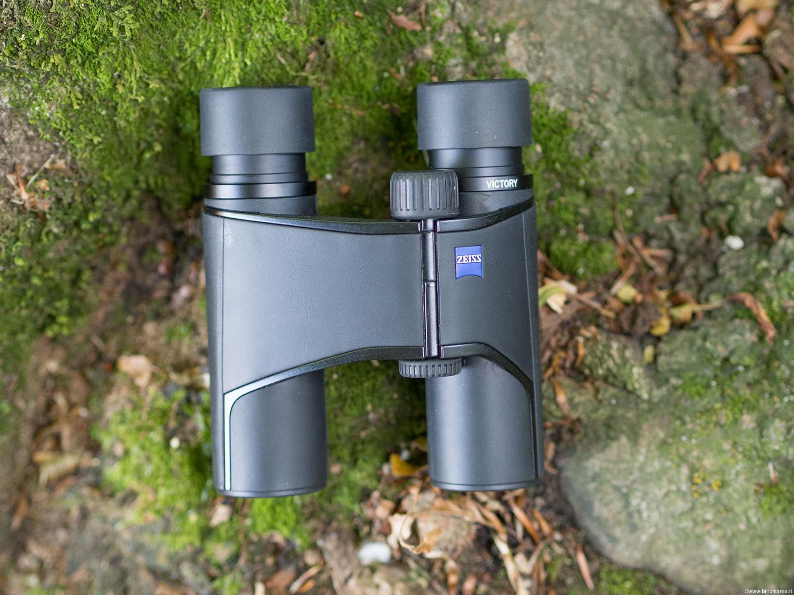Zeiss Victory Pocket 8×25: leggerezza e fascino.