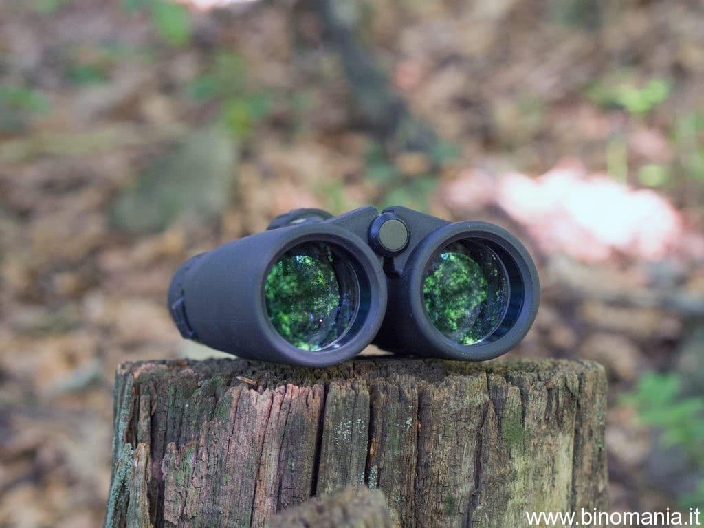 Un primo piano sulle lenti del binocolo 39Optics