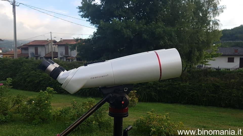 Un'altra immagine del binocolo Oberwerk BT 100 XL ED
