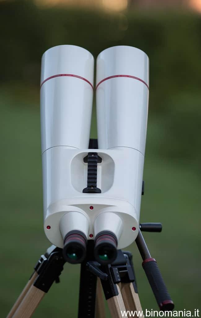 Il binocolo è lungo poco meno di cinquanta centimetri.