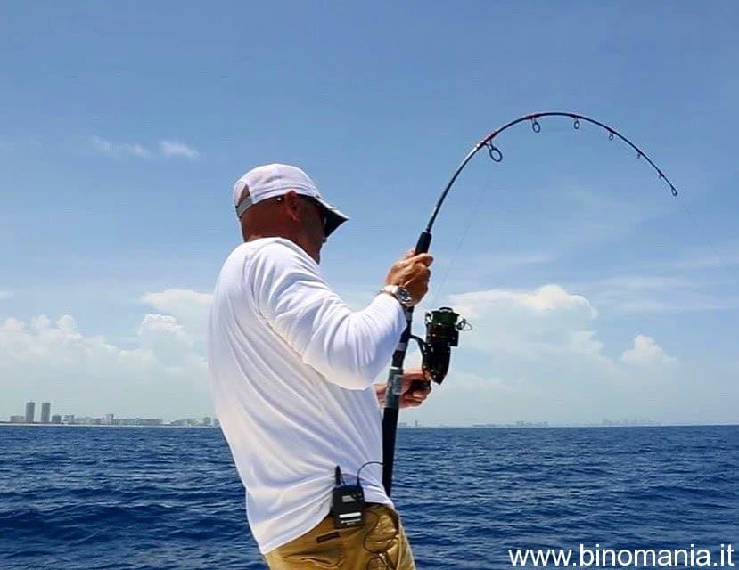 Riccardo Tamburini mentre pesca