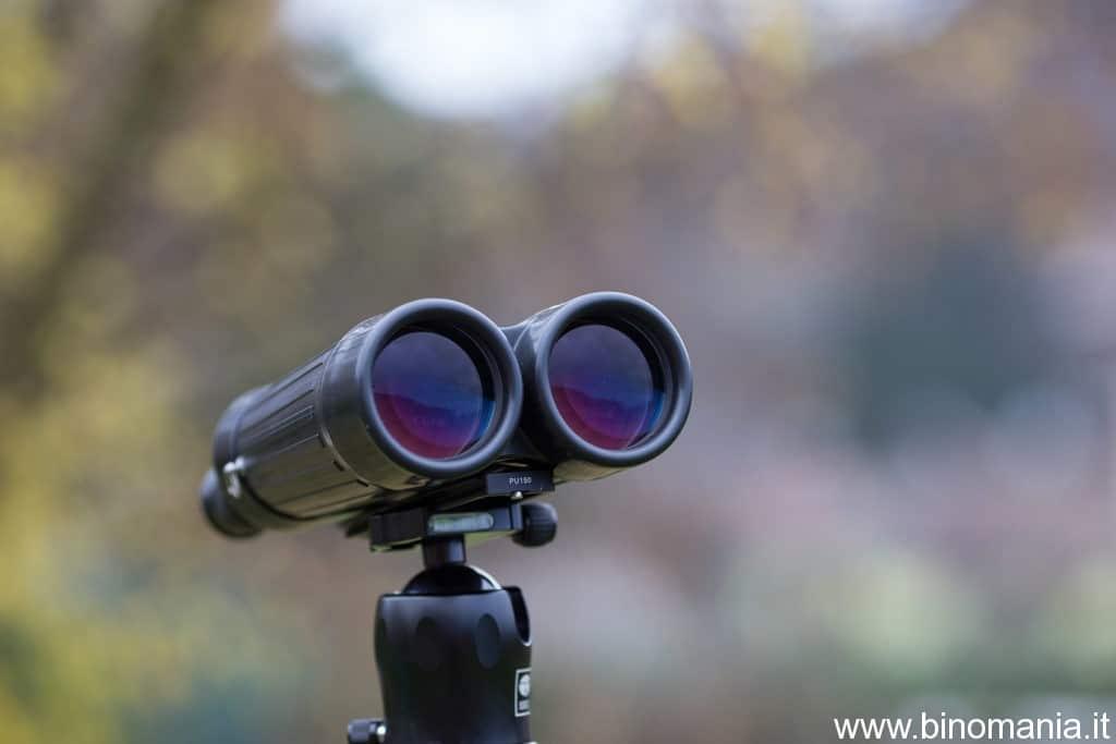 il binocolo Zeiss Special 20x60S sopra un cavalletto