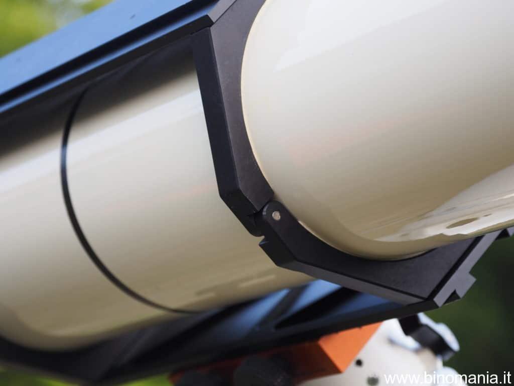 Ben visibile in questa immagine, la doppia sezione del tubo ottico