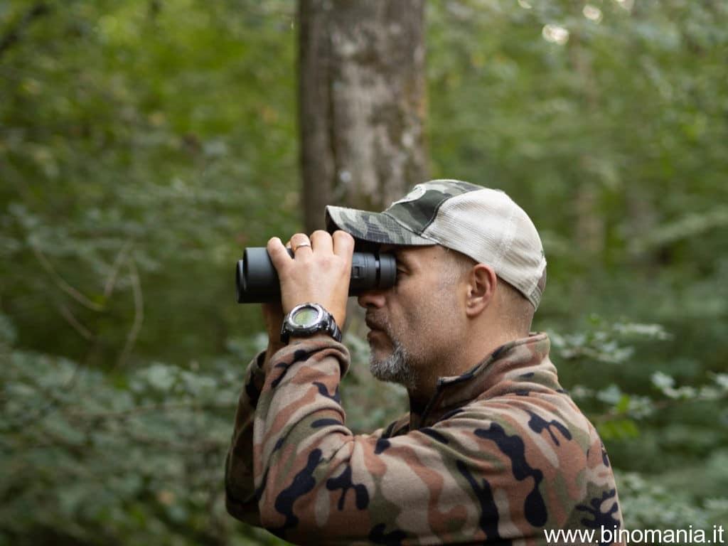 Mi sono divertito molto a utilizzare questo binocolo, anche in mezzo al bosco. La trasmissione luminosa è elevata