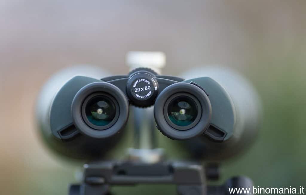 Gli oculari forniscono un campo grandangolare e sono sufficientemente comodi