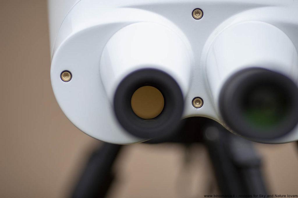 L'uscita dei prismi del  binocolo Oberwerk BT-100 XL SD