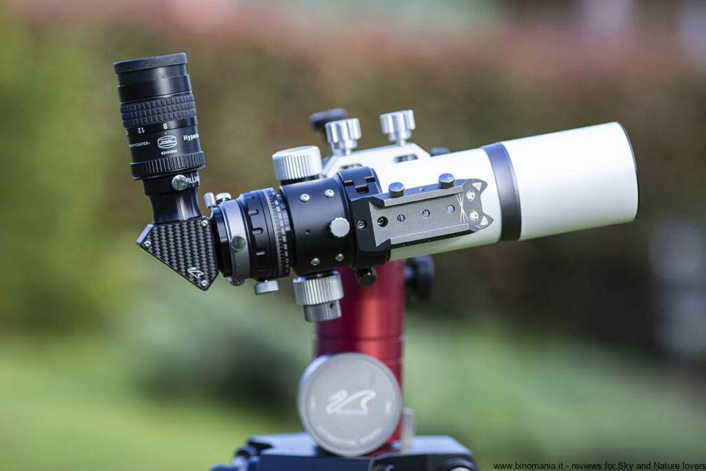 Immagine: il telescopio astronomico William Optics Zenithstar 61  MARK II APO installato su una montatura altazimutale